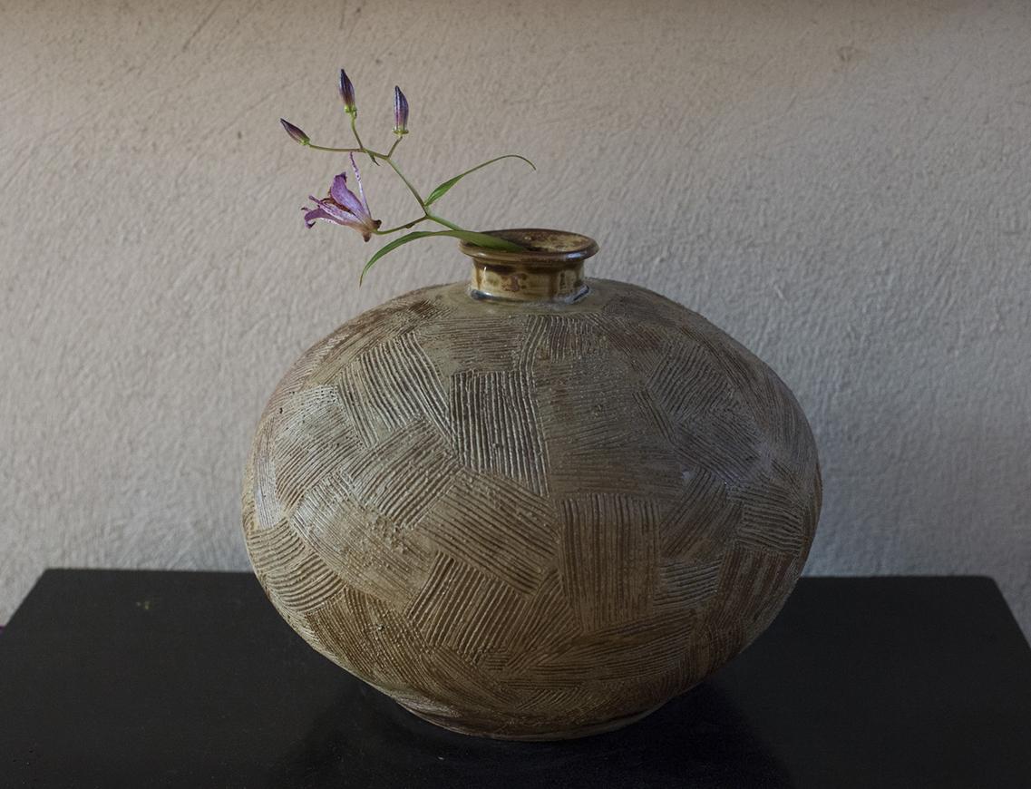 欅釉櫛目花器